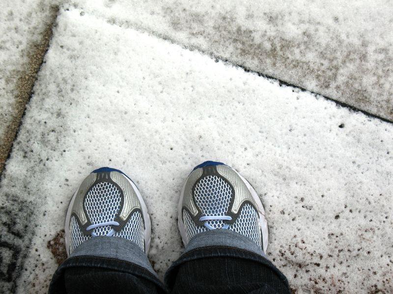 Snow_feet